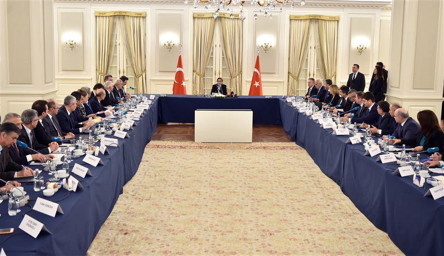 """Bakan Pekcan: """"Türkiye ekonomisinin olumlu seyri göstergelere de yansıyor"""""""